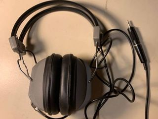 Realistic NOVA 10 Stereo Headphones 1C