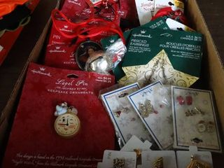 lot of Asst Christmas Jewelry
