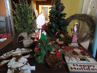 lot of Asst Christmas Decor