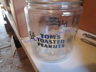 TOM S PEANUTS JAR
