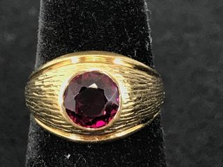 18kt Yellow Gold Ring With Red (ruby???) Color