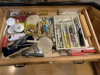 Lot of Miscellaneous Kitchenwares