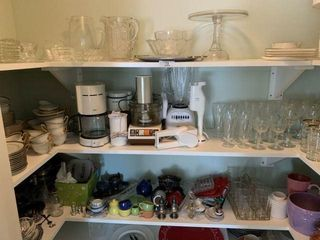 Large Lot of Glass & Kitchen Wares