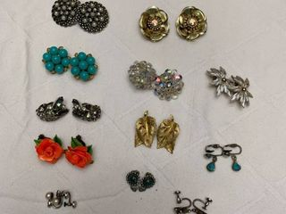 ladies jewelry  12 sets of clipped earrings