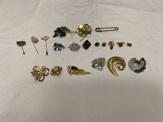 ladies jewelry  three hat pins  10 pins and seven small pins