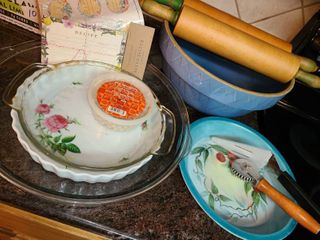 Bakeware  4 Pie Pans  large Mixing Bowl  Pie Server  Krimper large Mixing Bowl and 2 Rolling Pins Pie Weights