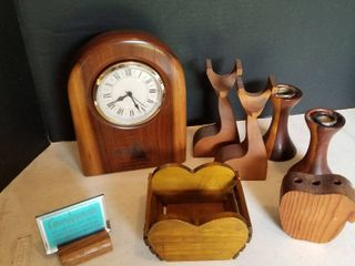 Wood clock  9  and assorted wood decor
