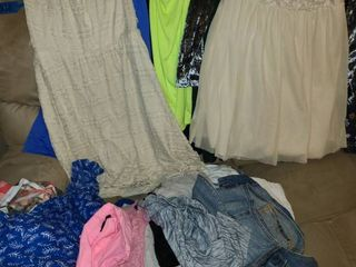 Teen Girls Clothing  Dresses Skirts and Shirts  Sizes Small to Med  Rue 21  Forever 21  Old Navy