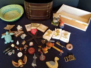 Assorted magnets and decorative items