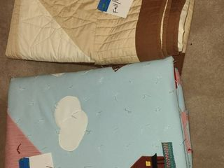 Bedding  Full Sized Hand Made Reversible Polyester Quilt  Full  Queen Sized Reversible Comforter