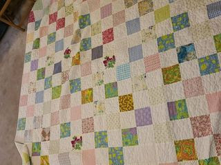Bedding  Queen Sized Quilt  VERY Nice