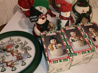 Christmas Decorations  Snowmen Figurines  Clock  and Baskets