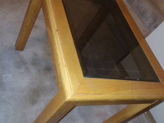 Wood End Table with Glass Top 21 x 18 x 25 in