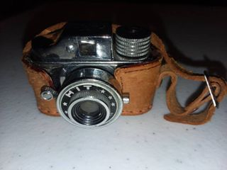 Vintage HIT Camera Made in Japan with Case