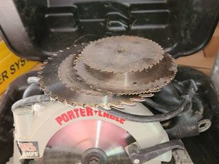 Porter Cable  Electric Circular Saw with blades