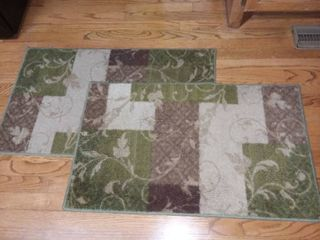 Pair of Green Bathroom or Kitchen Floor Rugs 33 x 20 in Each