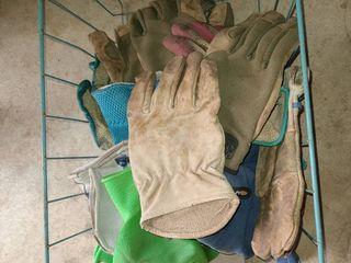 Basket of work gloves  10 pairs