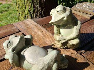 lazy Frog Pair Yard Decor