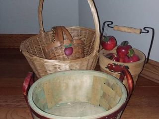 Wicker Apple Theme Baskets
