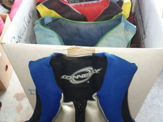 Adult life Jackets Sizes XSMAll to XlG lot of 6