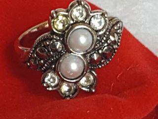 Women s ring in pouch