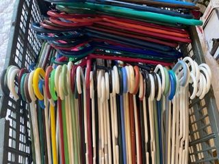 approx 70 plastic hangers