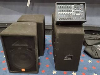 Yamaha EMX212S Powered Mixer  4 JRX100 Speakers  2 Tripods  Wires  4 Speaker Bags