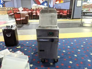 Pitco Solstice Supreme Natural Gas 12 Gallon Fryer SSPG14