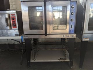 Baker's Pride Cyclone Series Liquid Propane Single Deck Full Size Convection Oven with Legs - 60,000 BTU