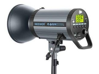 Neewer 600W GN82 Studio Flash Strobe light Monolight with 2 4G Wireless Trigger and Modeling lamp  Recycle in 0 01 1 2 Sec  Bowens Mount for Indoor Studio Portrait Photography Q600N