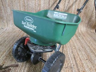 Scott's Turf Builder Edge Guard Min...