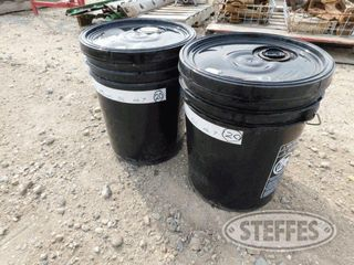 (2)-Pails-of--7-mineral-oil-_1.jpg