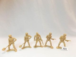 Toy Soldiers 4    tan  5