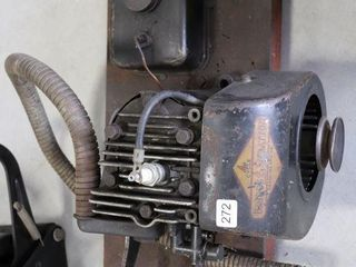 BRIGGS   STRATTON MODEl MWV ENGINE