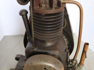 BRIGGS   STRATTON MODEl FH ENGINE