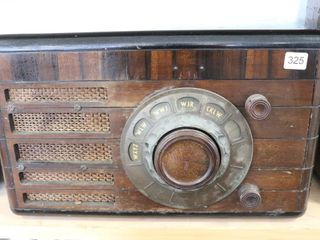 DE FOREST CROSSlEY TABlE TOP RADIO 10 X16