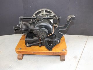 NElSON BROS  5 8 H P  1450 RPM ENGINE