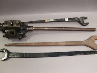NYE TOOl WORKS PIPE THREADER AND 3 WRENCHES