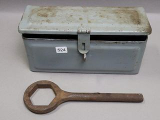 FORDSON TOOl BOX AND WRENCH