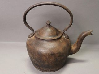 CAST IRON  10 TEA KETTlE   13 H