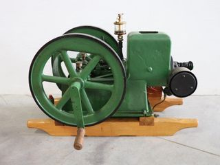 GRAY IJ STATIONARY ENGINE