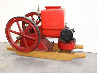 T  EATON 1 1 2HP ENGINE 525 RPM