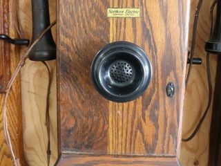 NORTHERN ElECTRIC WAll TElEPHONE 9 X18 X9