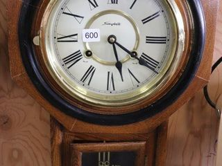 SPIRIT REGUlATOR A WAll ClOCK W  KEY 24 T