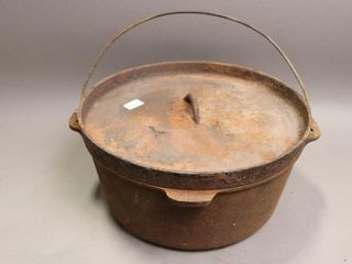 CAST POT WITH lID 12