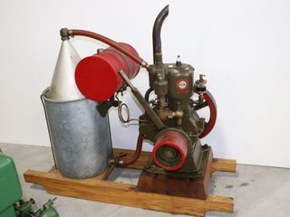 CUSHMAN MODEl C 4 HP STATIONARY ENGINE