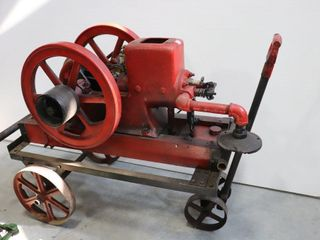 WM GRAY AND SONS STATIONARY ENGINE WITH