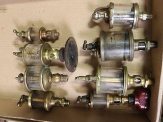 8 ASSORTED BRASS OIlERS