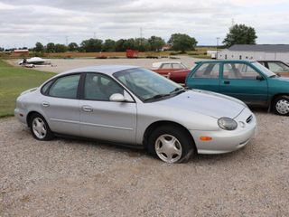 1999 FORD TAURUS SE 4 DOOR