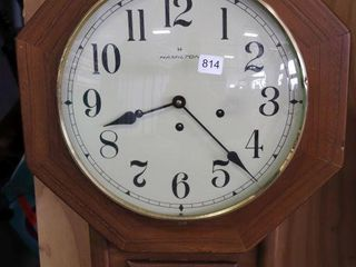 HAMIlTON WAll ClOCK WITH KEY 15 X24